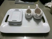 Serving tray and 2 gravy boats Burnaby, V5G 1W5