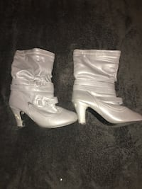 Gray boot heels size 10 Cincinnati, 45251