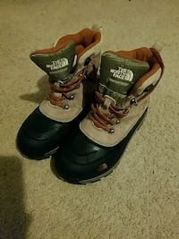 NorthFace Boots sz 4 Rockville, 20850