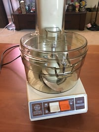 clear glass and white GE food processor