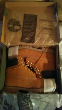 brown Timberland work boots in box Suitland-Silver Hill, 20746