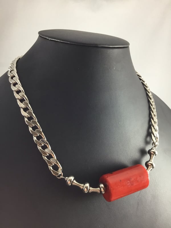 """Stainless Steel Cuban Curb Chain Necklace Red Dyed Coral bead 22.5"""" d9e8d49a-4f71-4a83-96a5-3118f58ab6ae"""