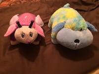 One pink and one blue plush toys San Juan, 78589