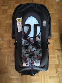 baby's black and gray car seat carrier Montréal