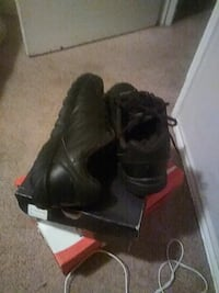 pair of black leather boots Killeen, 76541