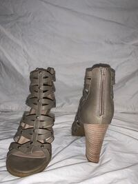 Size 10 leather high heels  West Chester, 19382