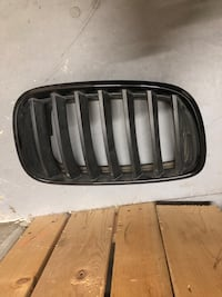 Used Genuine BMW E70 E71 Front Radiator Kidney Black M Grille Left OEM Burnaby, V5C 3J8