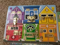 Melissa and Doug latches board New condition. Portland, 97206