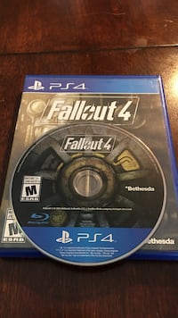 Sony PS4 Fallout4 game and case Greater Napanee, K7R 2M5