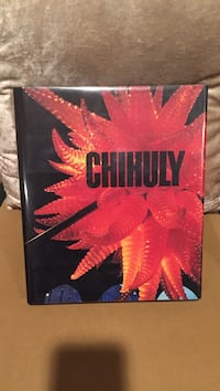 Chihuly, 2nd Edition, Revised and Expanded  350 pages. Perfect condition. Smoke/pet free home. Herndon, 20170