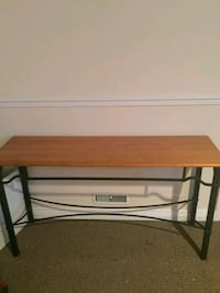 REDUCED  De Bors .....Rod Iron table Hamilton, L8T 2R9