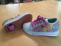 pair of pink-and-white low top sneakers Heiskell, 37754