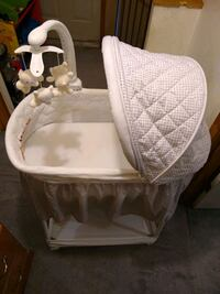 Bassinet never used is in perfect condition Burrillville, 02859
