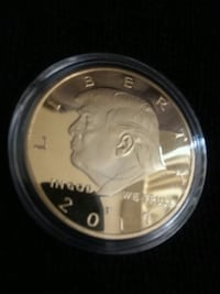 Gold plated TRUMP coin