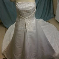 Wedding gown  Modesto, 95354