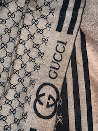 GUCCI scarf (double sided)