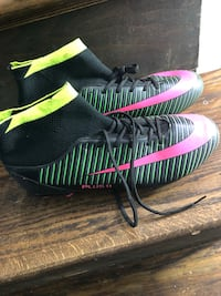 Cleats brand new size 11