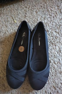 Black swade Shoes for girls size 8