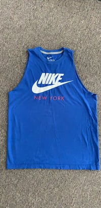 Nike workout shirt MENS  Toronto, M4B 3P4