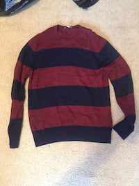 Gap big stripe sweater size Large Hampton, 23669