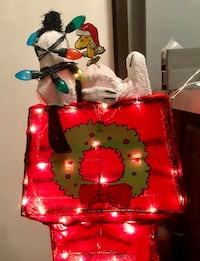 Snoopy and Woodstock Christmas  249 mi