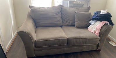 Couch/loveseat