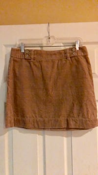 Size 6 corduroy skirt from The LOFT. Odenton, 21113