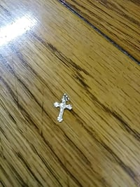 14 chain pendant cross Thibodaux, 70301