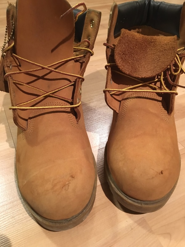 Used Original Yellow Suede Timberland Size 11 for sale in Montréal - letgo 555e2e3c5647
