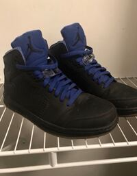 Pair of black nike air force 1 high shoes Chesterfield, 48051