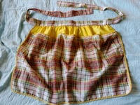 Beautiful vintage half apron w/pockets Vancouver, 98682