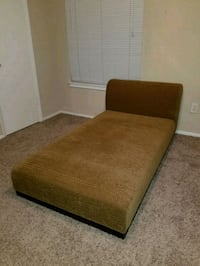 Chaise lounge / small couch Altamonte Springs, 32701