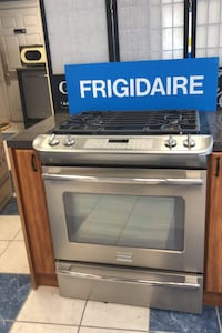 Frigidaire gas Slide In Stove