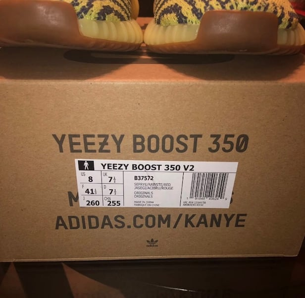 Yeezy Boost 350 V2 Semi Frozen Yellow 9ad6bf0f-c30a-4eba-9d8f-be7df32198a8