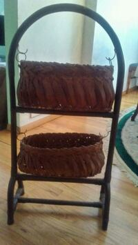 Decorative basket holder McKeesport, 15132