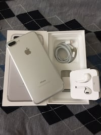 Silver unlocked iPhone 7 plus