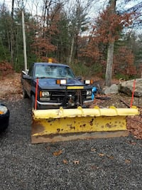 2000 Chevy 2500 pick up with plow
