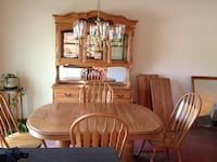 Brown wooden dinning table set Northfield, 44067