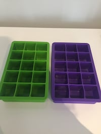 Two green and purple plastic ice trays Whitby, L1N 2J2