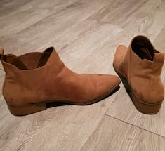 Camel colored ankle boots- size 8