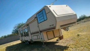 1989 King of the Road 5th Wheel