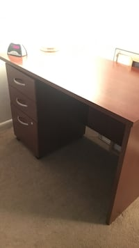 Desk and drawers  Reston, 20190