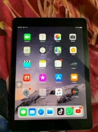 iPad Air 1 (16gb) + Charger + 30days warranty Springfield