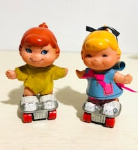 Vintage (2) 1970 Mattel Small Shots Dolls on Skates