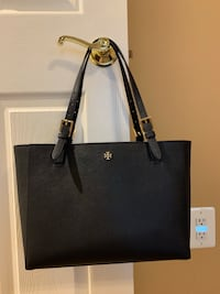 Authentic Tory Burch navy tote Thurmont, 21788