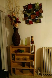 Expandable Wooden Display Shelf