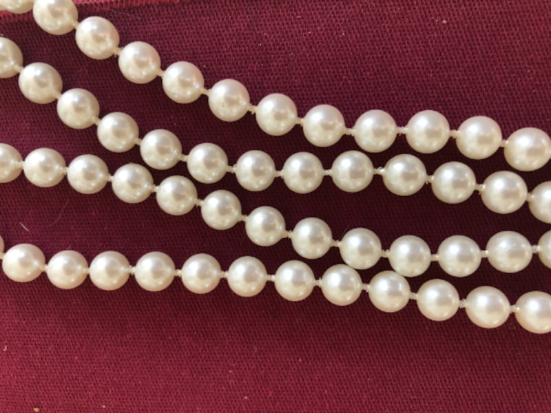 Vintage costume pearl necklace 1