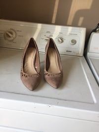 Nine West nude pumps size 8.5 Mississauga, L5E 1X7