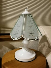 Elegant white table lamp Bothell, 98012