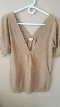 Wilfred V-neck top fits medium  Surrey, V3T 5Y1